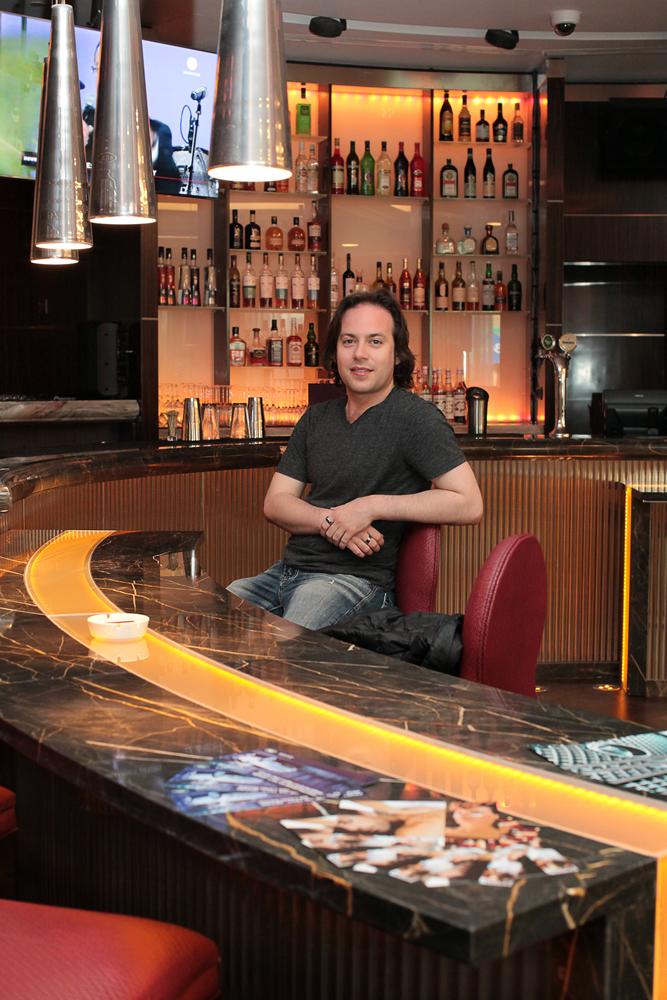 Mariott Tverskaya hotel lobby bar